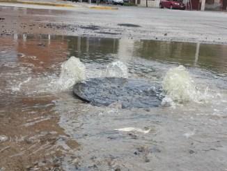 Los líquidos cloacales desbordan las calles del Barrio Seré