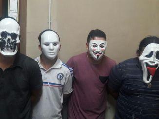 Cayeron los enmascarados