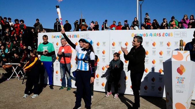 Llama olímpica en Hurlingham
