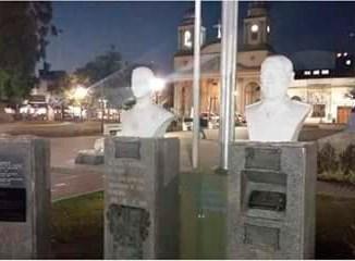 Busto vandalizado