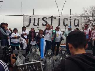 Marcha docente en Moreno