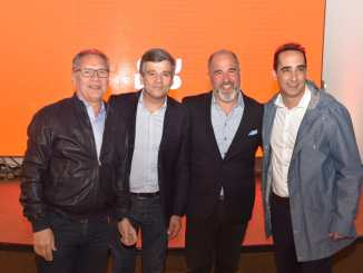 Adrián Noriega junto a los intendentes de Ituzaingó, Alberto Descalzo; Juan Zabaleta de Hurlingham y Ramiro Tagliaferro de Morón