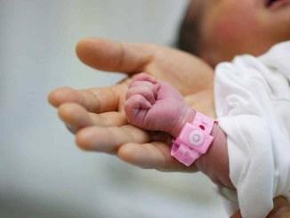 Beba nacida en la calle en San Miguel