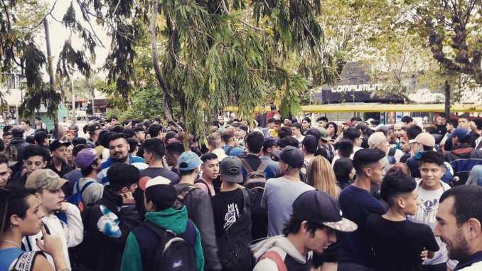 Las competencias de rap coparon el oeste del conurbano y convocan adolescentes por miles
