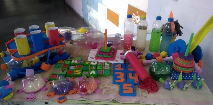 Presos fabrican juegos autismo