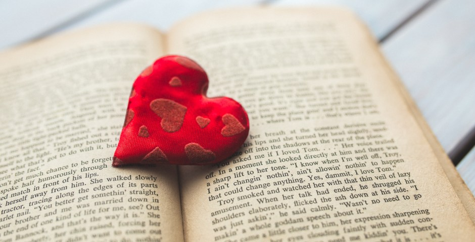 _absolutely_free_photos_original_photos_red-heart-in-book-5472x3648_38621