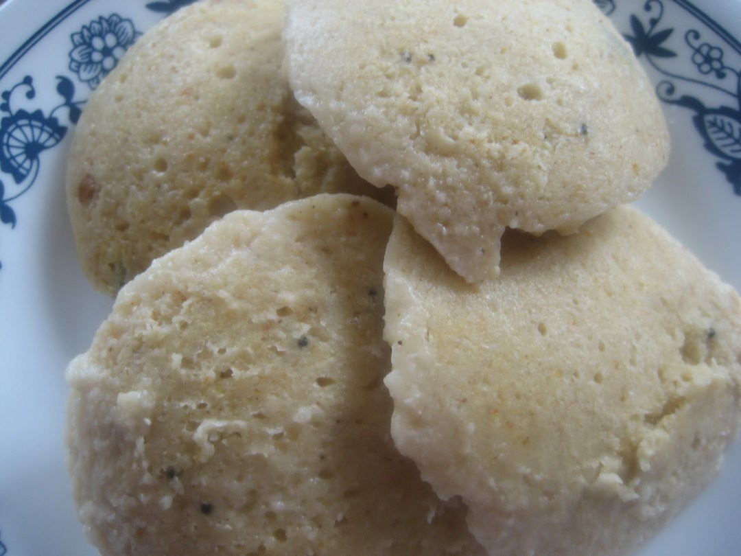 Quinoa and Oats Idlis