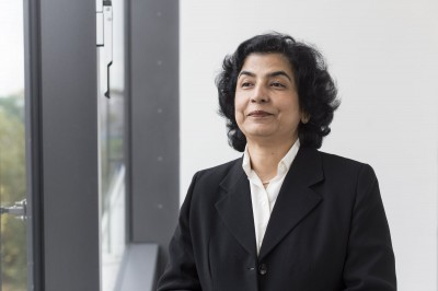 Emotionale Intelligenz stärkt effektives Führungshandeln. Neue indische Professorin an der HHL Leipzig Graduate School of Management.