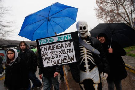 Chile. Estudiantes exigen educación pública y gratuita. Foto: AP