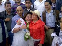 Mónica Arriola y su madre, Elba Esther Gordillo. Foto: Isaín Mandujano