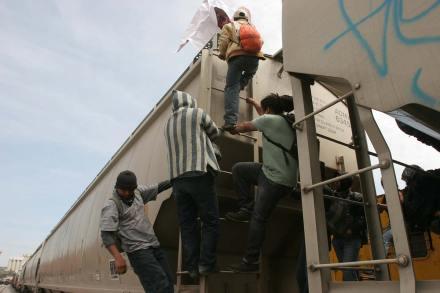Protestan migrantes por falta de garantías en Cuautitlán. Foto: J. Guadalupe Pérez