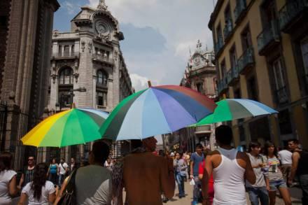 Marcha lésbico-gay en la ciudad de México. Foto: Alejandro Saldívar