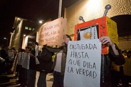 #YoSoy132 realiza toma simbólica de Televisa por 24 horas. Foto: Octavio Gómez