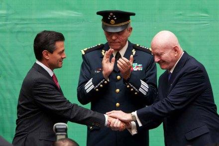 Peña, Cienfuegos y Mondragón. Foto: Presidencia