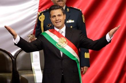 Enrique Peña Nieto tras tomar protesta como presidente de la República. Foto: AP