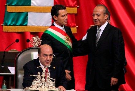 Peña Nieto y Calderón. Entrega del poder Foto: Germán Canseco
