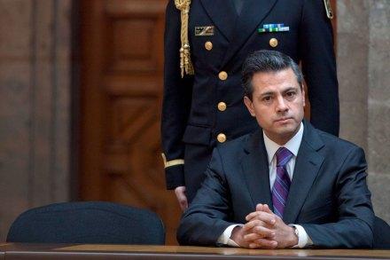 Enrique Peña Nieto durante la presentación de su declaración patrimonial. Foto: Miguel Dimayuga