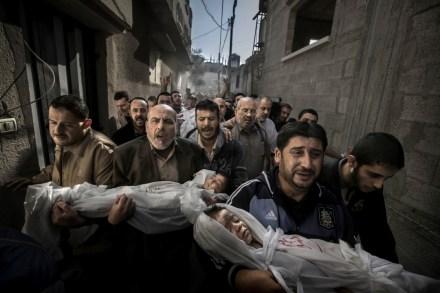 Funeral en Gaza, la imagen del año. Foto: Paul Hansen / WPP