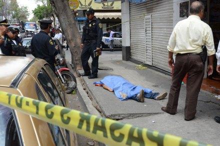 La escena de un asesinato el 11 de marzo en la ciudad de México. Foto: David Deolarte