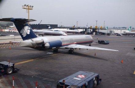 Un avión de Aeroméxico en el Aeropuerto de la Ciudad de México. Foto: Benjamin Flores