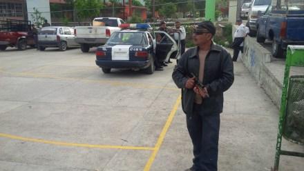 El lugar donde permanecen retenidos los policías. Foto: Ezequiel Flores Contreras.