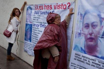 Familiares de los desaparecidos en el Heaven exigen respuesta de la PGJDF. Foto: Eduardo Miranda