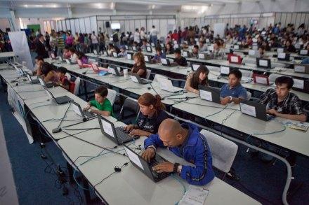 Usuarios de Internet en México. Foto: Miguel Dimayuga
