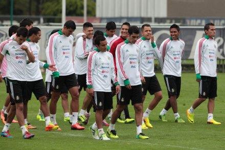 Entrenamiento del Tri rumbo al partido contra Nueva Zelanda. Foto: Miguel Dimayuga