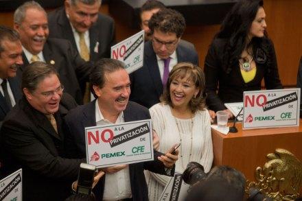 Gamboa durante la toma de la tribuna del Senado. Foto: Octavio Gómez