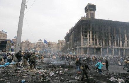 Disturbios en Ucrania. Ya van 67 muertos. Foto: AP / Efrem Lukatsky