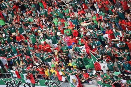 La afición mexicana en Fortaleza, Brasil. Foto: AP / Francois Javier Marit