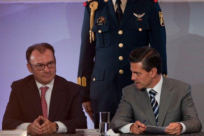 Videgaray y Peña durante un encuentro con empresarios en mayo pasado. Foto: Miguel Dimayuga