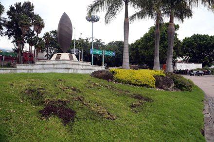La ofrenda en memoria de los 43 destruida en Morelos. Foto: Margarito Pérez