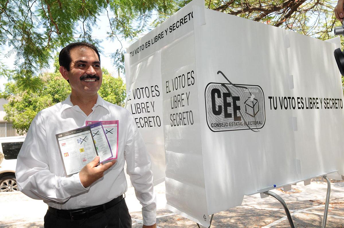 Guillermo Padrés, exgobernador de Sonora, en una fotografía de julio de 2009. Foto: Luis Gutiérrez