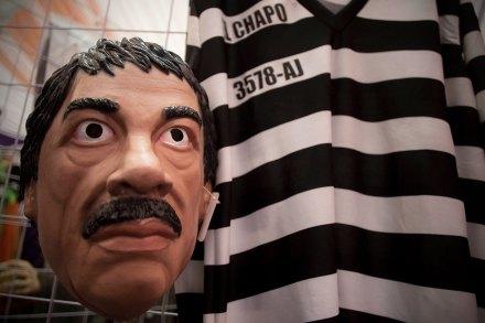 """Un disfraz de Joaquín """"El Chapo"""" Guzmán en la Ciudad de México. Foto: Xinhua / Alejandro Ayala"""