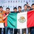 Los estudiantes ganadores del Robochallenge 2015. Foto: Especial