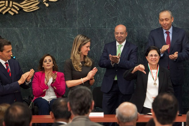 Consuelo Morales Elizondo durante la entrega del Premio Nacional de Derechos Humanos. Foto: Miguel Dimayuga