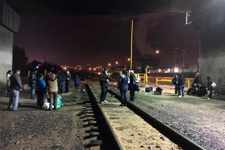 Los migrantes en la estación Julio Ornelas. Foto: Especial