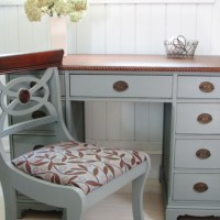 An Antique Desk Makeover