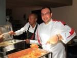 Al Pasta Event chef italiani ed etiopi hanno cucinato assieme: una squadra vincente e multietnica che ha fatto gustare spaghetti, Imprenditori locali mentre si iscrivono per partecipare all'evento Alla parte espositiva sono intervenute aziende italiane ed etiopiche, tra cui Anselmo, Ocrim, Perten Mebrahtu Meles, ministro dell'Industria in Etiopia Abeba Tesfaye, vicepresidente dell'Associazione nazionale mugnai d'Etiopia Mugnai, agricoltori, imprenditori, agronomi, pastai, imprenditori, buyer italiani e locali hanno partecipato alla Conferenza Internazionale production Maria Grazia D'Egidio, Cereal Quality Research Unit, CRA-QCE Enrica Gentile, Areté fettuccine e lasagne