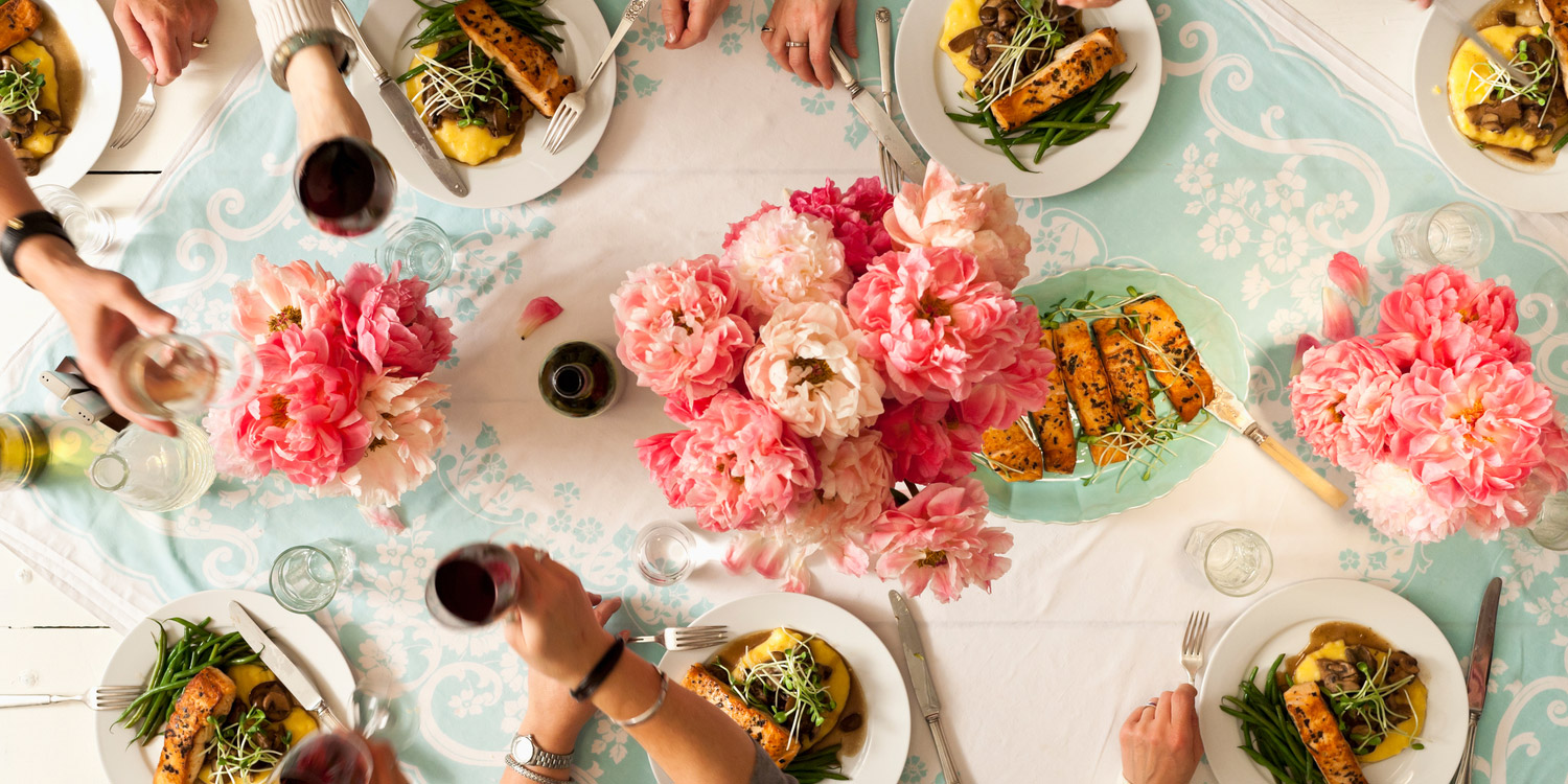 Dinner table with food - Download