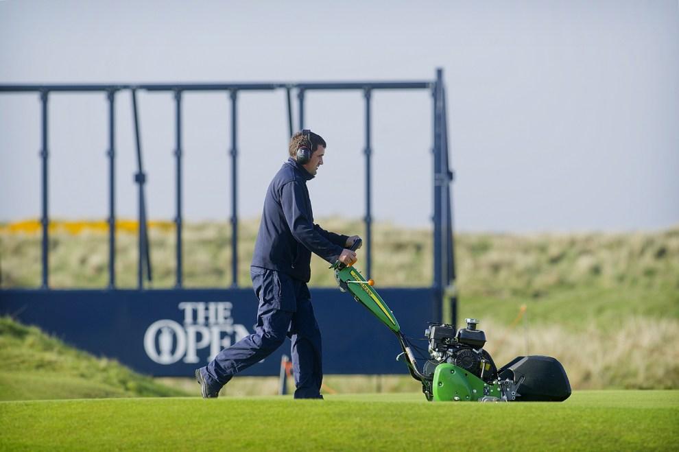 John Deere 220SL walk behind mower, in preparation of The Open 2016, Royal Troon Golf Club. Credit: John Deere