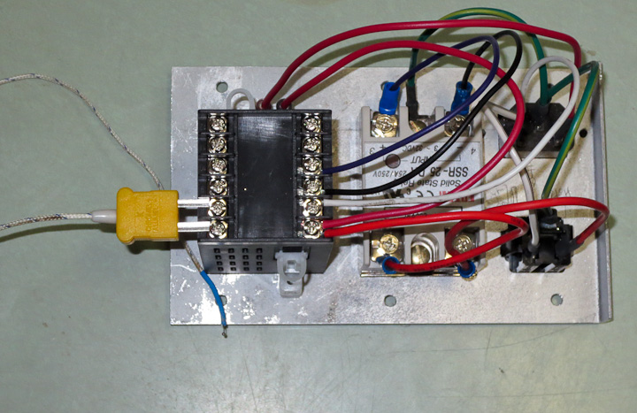 Low cost PID control box for heating/cooling Projects by Zac