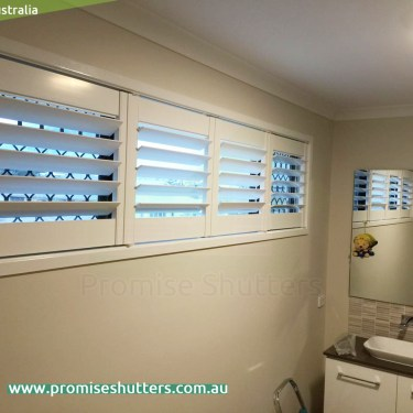 two panels of window shutters on side hinges, three or more panels on top&bottom hinges