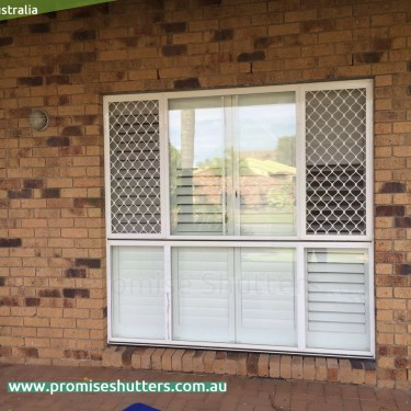 4 panels of internal window shutters