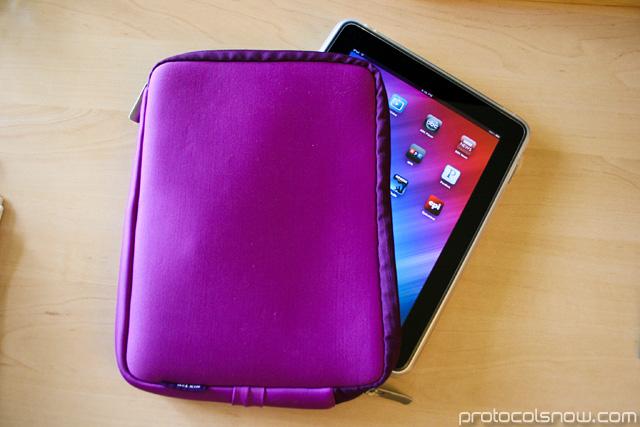 iPad Apple tablet Belkin netbook sleeve