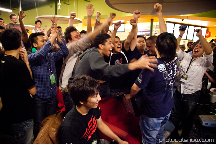 Season's Beatings V Redemption fighting game tournament Gamerbee Daigo Umehara Justin Wong Momochi Marn Arturo Sanchez Sabin Super Street Fighter IV