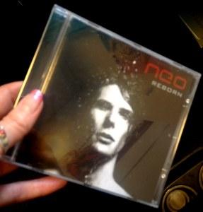 CD-konvolut till artisten NEO