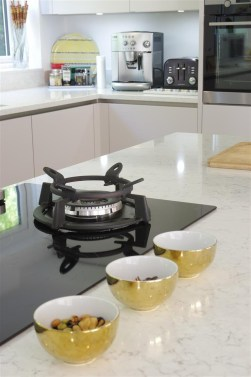 AEG Built-in 90cm Mixed Hob, 4 Zone Induction with 1 Gas Wok burner, touch