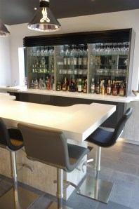 Luxurious bar area with Italian seating by Peressini Casa